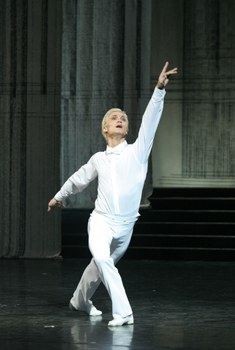 Mikhail_Lobukhin_as_Prince_(Cinderella).jpg